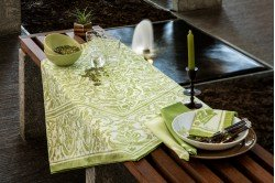 Saint Tropez Table Runner by Beauvillé