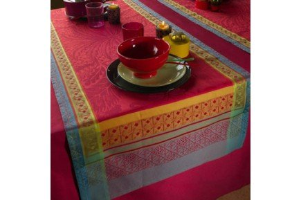 isaphire tablecloths by garnier thiebaut fine authenitc french table linens. Black Bedroom Furniture Sets. Home Design Ideas