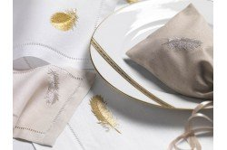 Plume Embroidered Placemat & Napkin Set