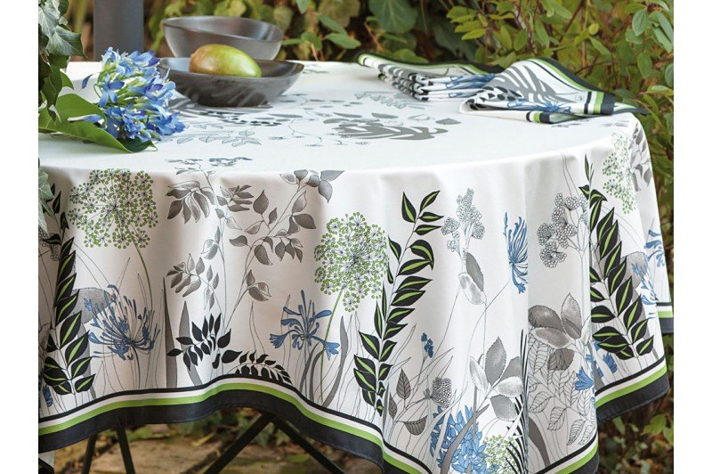 French Luxury Tablecloth With Agapanthus Flowers ...