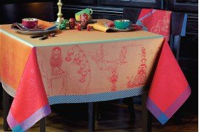 Matriochkas Tablecloth
