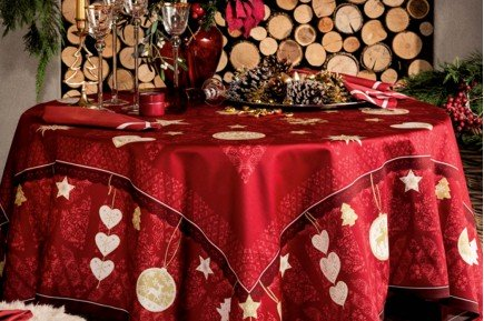 L'Hiver Winter Joy French luxury Christmas tablecloth by Beauvillé
