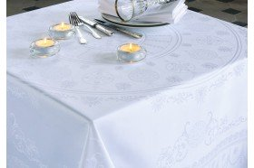 Eloise French luxury white tablecloth by Garnier Thiebaut wedding formal events