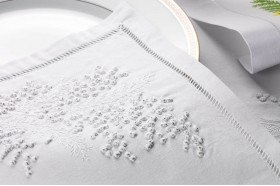 Prestige Embroidered tablecloth