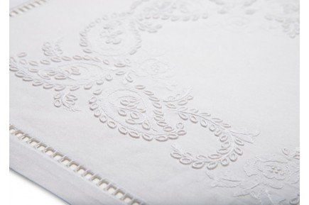Cashmere Embroidered Placemat & Napkin Set