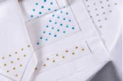 Pois Embroidered Placemant & Napkin Set