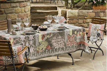 Rialto Quartz Tablecloth by Beauvillé